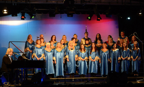 Gerry Simpson and the Augustinian Gospel Choir. Photo by Colin Bell.